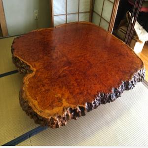 葡萄杢のテーブル:450,000円で買取り成立!